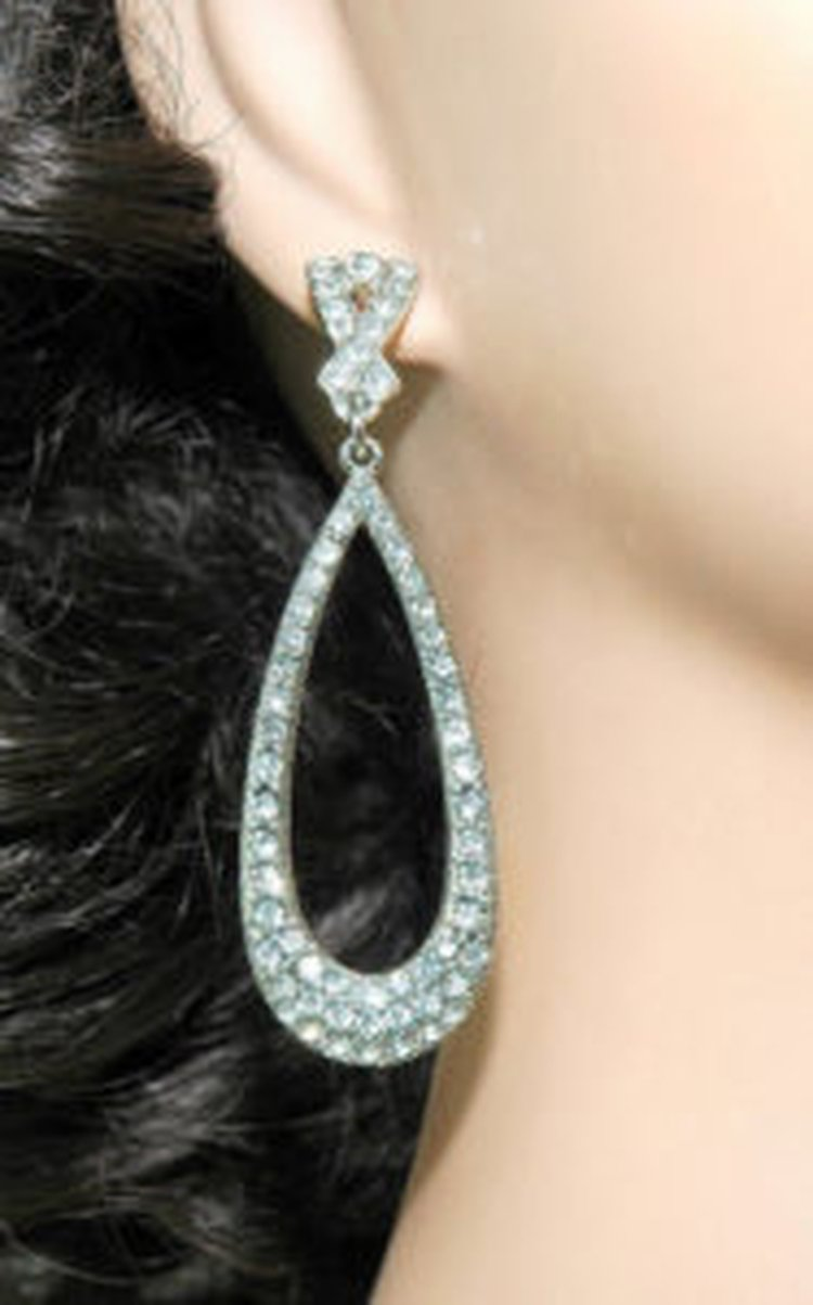 MY FAVORITE PAIR OF DIAMOND EARRINGS